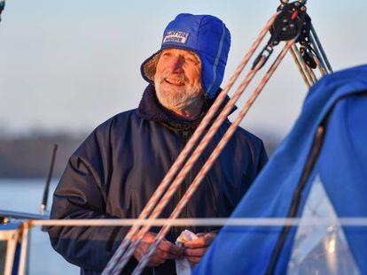 El francés Jean-Luc Van Den Heede, a su llegada Storm Bay, cerca de Hobart, en la isla de Tasmania.