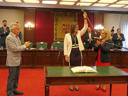 La socialista Noelia Posse, toma posesión como alcaldesa de Móstoles el pasado 15 de junio.