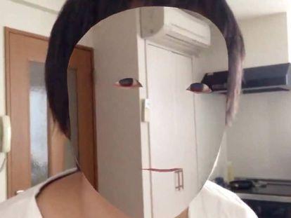 Kazuya Noshiro, 'borrando' su cara.
