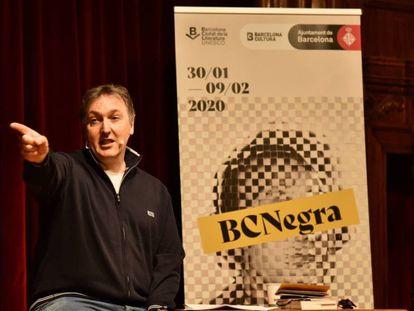 Carlos Zanón, durante la presentación de la BCNegra en el teatrillo del Conservatorio del Liceo.