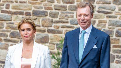 Enrique y María Teresa, grandes duques de Luxemburgo, en el bautizo de su quinto nieto, Carlos, el pasado septiembre.