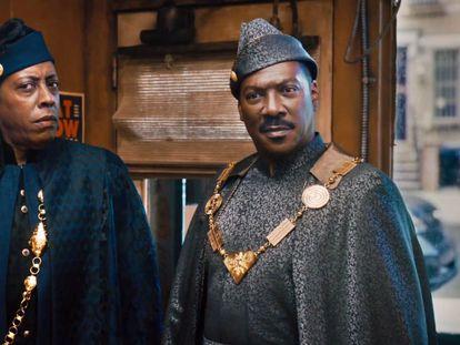 Arsenio Hall y Eddie Murphy, en 'El rey de Zamunda'.