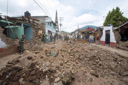 Casas dañadas en Joquicingo, México, tras el terremoto de esta semana.