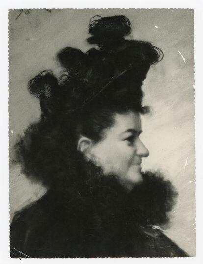 Emilia Pardo Bazán, retratada por Joaquín Vaamonde en 1896. ARQUIVO DE LA REAL ACADEMIA GALEGA