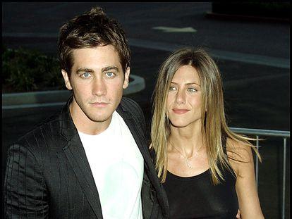 Jake Gyllenhaal y Jennifer Aniston en el estreno de 'The Good Girl' en Los Ángeles, California, en agosto de 2002.