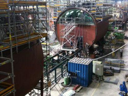 Construcción del submarino S-81 en los astilleros de Cartagena en enero de 2012.