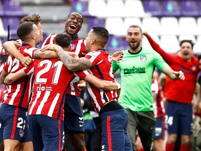 Celebración de los jugadores del Atlético de Madrid tras el partido frente al Valladolid.