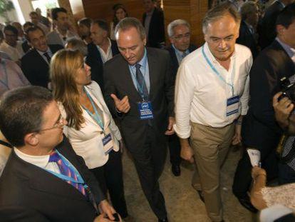 Serafín Castellano, Alicia Sánchez Camacho, Alberto Fabra y Esteban González Pons, en Gandia.