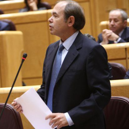 Pío García Escudero interpela a Zapatero en el Senado.