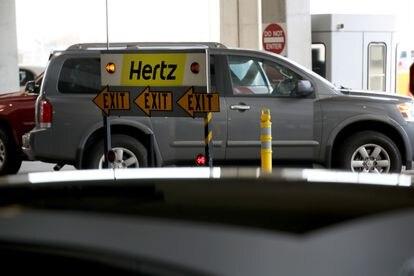 Un coches de Hertz, el pasado 30 de abril en el aeropuerto de San Francisco.