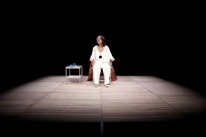 """La actriz Jeaninne Mestre, en un ensayo de la obra teatral """"El año del pensamiento mágico"""" , con texto de Joan Didion, en el Teatro Español de Madrid."""