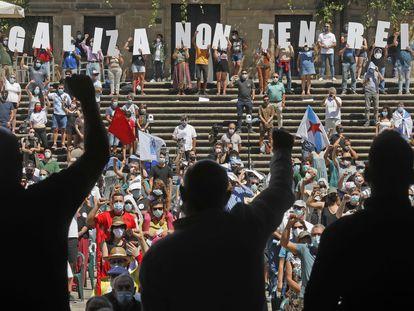 Celebración del Día da Patria Galega por parte del BNG en la praza da Quintana de Santiago.