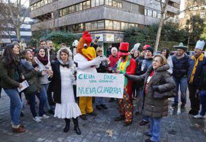 Protesta antiabortista frente a la clínica Dator en Madrid.
