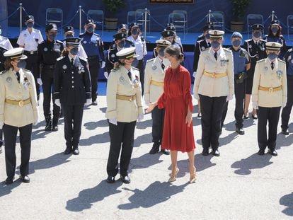 La Reina Letizia durante el evento celebrado con motivo del día de 'San Juan Bautista. Patrón de la Policía Municipal de Madrid en el parque del Retiro.