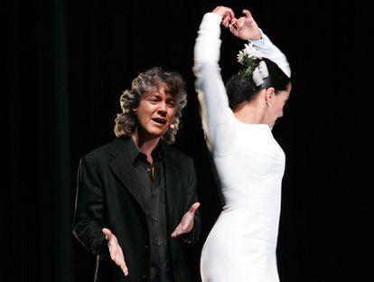 La cantaora Mayte Martín y  la bailaora Belén Maya, en el Pabellón Español de la Exposición Internacional de Aichi, en Japón, en 2005.