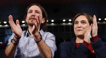 Pablo Iglesias y Ada Colau, en un acto en Madrid.