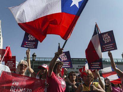 Manifestación en contra de la reforma constitucional chilena, el sábado 22 de febrero.