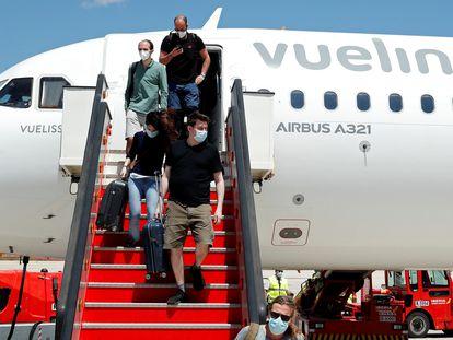 Pasajeros de Vueling en el aeropuerto de Palma.