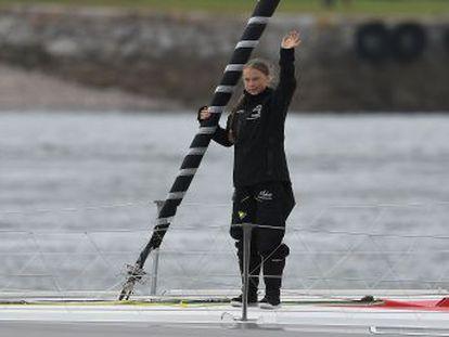 La adolescente sueca erigida en icono mundial de la lucha contra el cambio climático parte desde Plymouth hacia la cumbre de Nueva York en un velero ecológico