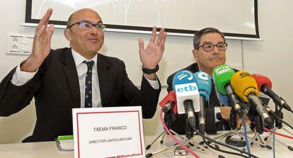 Mario Fernández (derecha) y Txema Franco han presentado los datos del primer año de funcionamiento del BBK Bilbao Good Hostel.