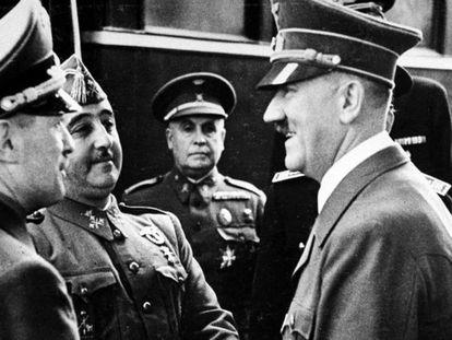 Francisco Franco y Adolf Hitler en Hendaya (Francia) en 1940.