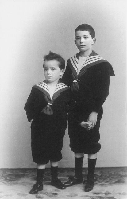 Georg y Walter, alrededor de 1902.