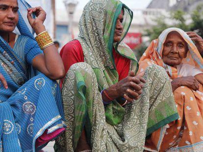 Mujeres de Varanasi (India).