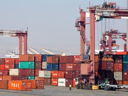 Contenedores en el puerto iraní de Shahid Rajai, en febrero de 2016.
