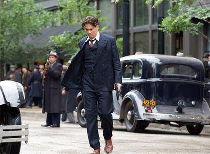 Johnny Depp como Dillinger.