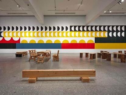 'Antonio Ballester Moreno. Autoconstrucción. Piezas sueltas. Juego y experiencia'. Vista de la exposición.