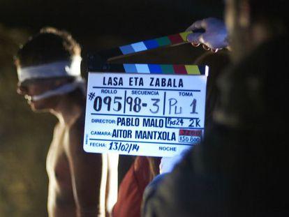 Jon Anza, que encarna a Joxean Lasa en 'Lasa y Zabala', en un momento del rodaje la película.