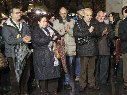 Asistentes a la concentración celebrada en Galdakao en recuerdo de Hodei Egiluz.