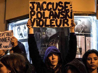 Protesta en París durante la presentación de la última película de Polanksi. En vídeo, el tráiler de la película.