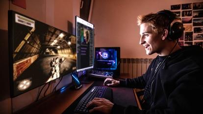 Mejora la productividad y la capacidad de visualización en el trabajo con un monitor para PC. GETTY IMAGES.
