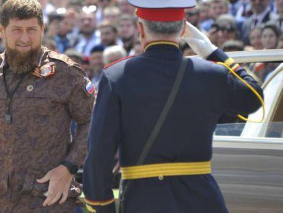 Ramzán Kadírov, máximo dirigente de Chechenia, durante un desfile el pasado 9 de mayo, en Grozni.