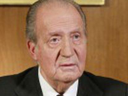 El Monarca alaba en un mensaje televisado la  generosidad y patriotismo  de Suárez, el hombre con el que impulsó  uno de los capítulos más brillantes de la historia de España  la Transición