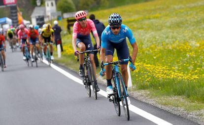 Mikel Landa ataca en la 17ª etapa.