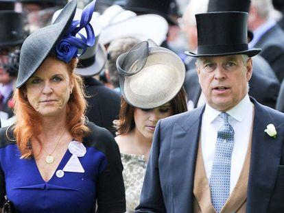 Sarah Ferguson y el príncipe Andrés, en Ascot.