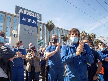 Manifestación de los trabajadores de Airbus a la entrada de la planta de Puerto Real  (Cádiz) en abril pasado.