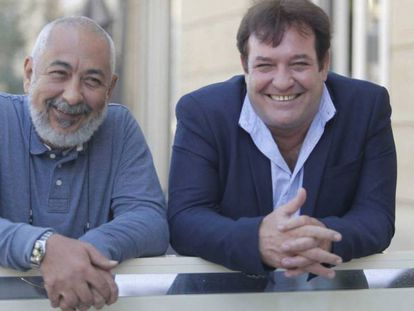 Padura (izquierda) y Perigorria, en San Sebastián. En el vídeo, tráiler de la película.