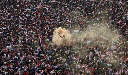 Celebraciones en Zagreb por uno de los goles de Croacia en la final del Mundial.