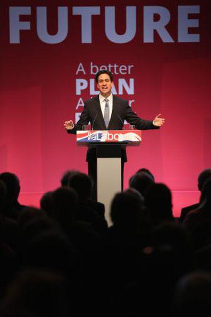 Miliband, en un mitin este lunes en Manchester.