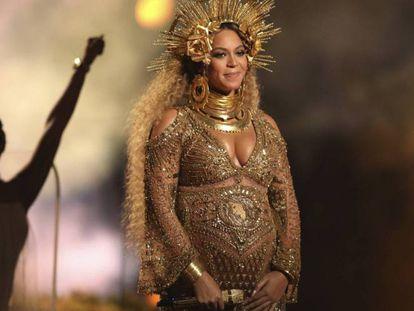 Beyoncé, en los premios Grammy de 2017.