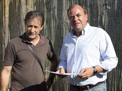El presidente de Extremadura, José Antonio Monago, y el líder de IU en la comunidad, Pedro Escobar.
