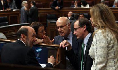 Rubalcaba, Rodríguez, Durán Lleida, Alonso y Jiménez, en un pleno.