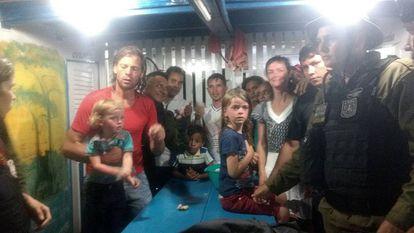 La familia estadounidense encontrada este miércoles 1 de noviembre de 2017, en una localidad del municipio de Breves en el estado de Pará (Brasil), navegaba en una embarcación en un río de la Amazonía y desapareció tras sufrir un asalto de piratas.