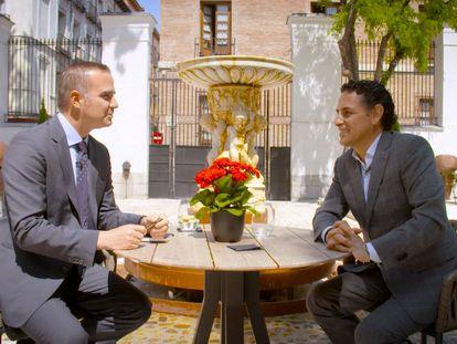 Raúl Tola entrevista a Juan Diego Flórez.