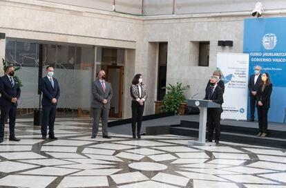 El lehendakari Urkullu interviene este miércoles ante víctimas del terrorismo en un acto en la sede del Gobierno vasco.
