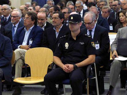 Sala de la Audiencia Nacional con los condenados por las tarjetas opacas de Caja Madrid y Bankia.