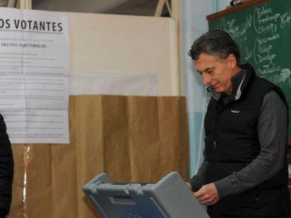 Mauricio Macri, alcalde de Buenos Aires y candidato presidencial de Argentina, estrena este domingo el voto electrónico en su ciudad